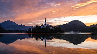 Sunrise at Lake Bled.jpg
